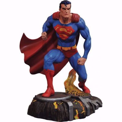 Diamond Dc Gallery - Superman Comic PVC Statue (APR182181)